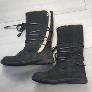 UGG Shoes - UGG Catalina Back Lace Up Leather Boots Size 8